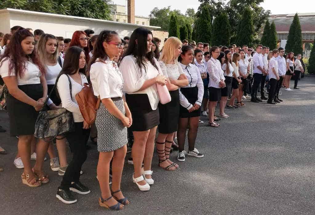 Szent Bazil Középiskola Maradjunk gyerekek! Hírek Kisvárdai Tagintézmény Szent Bazil Görögkatolikus Középiskola